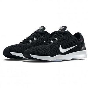 Nike Zoom Fit Sneakers